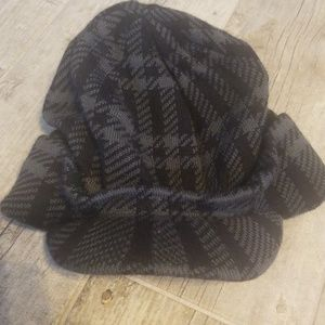 Jessica Simpson patterned hat
